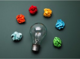 Customer Insight là những suy nghĩ, mong muốn ẩn sâu bên trong ảnh hưởng đến quyết định mua hàng của của khách hàng